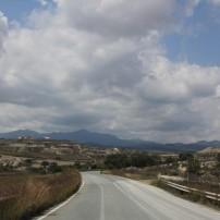 Вдалеке горы Троодоса. Пока солнечно.